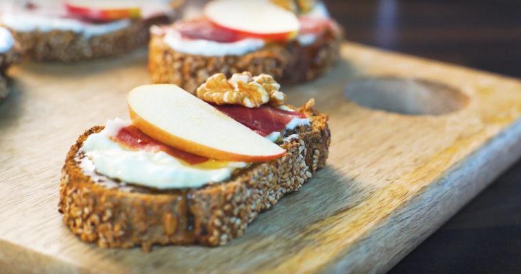 Receta Carrefour – Tostada de jamón, queso, manzana y nueces